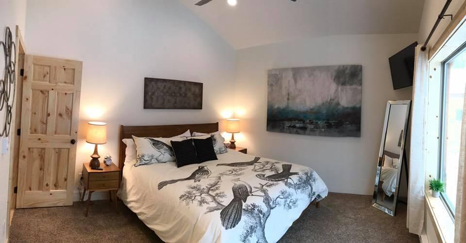 Kussy Bedroom
